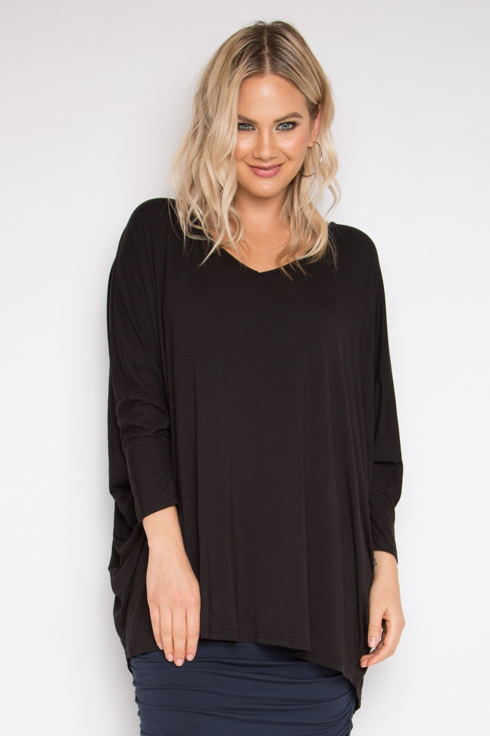 Bamboo Long Sleeve Hi-Low Miracle Top in Black