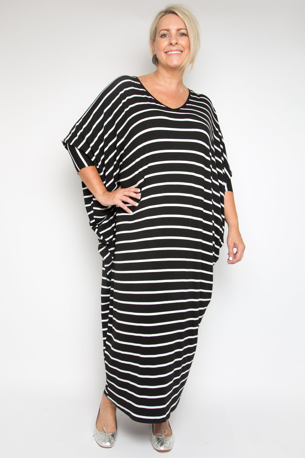 Curve Long Sleeve Maxi Miracle Dress in Black and White Stripe