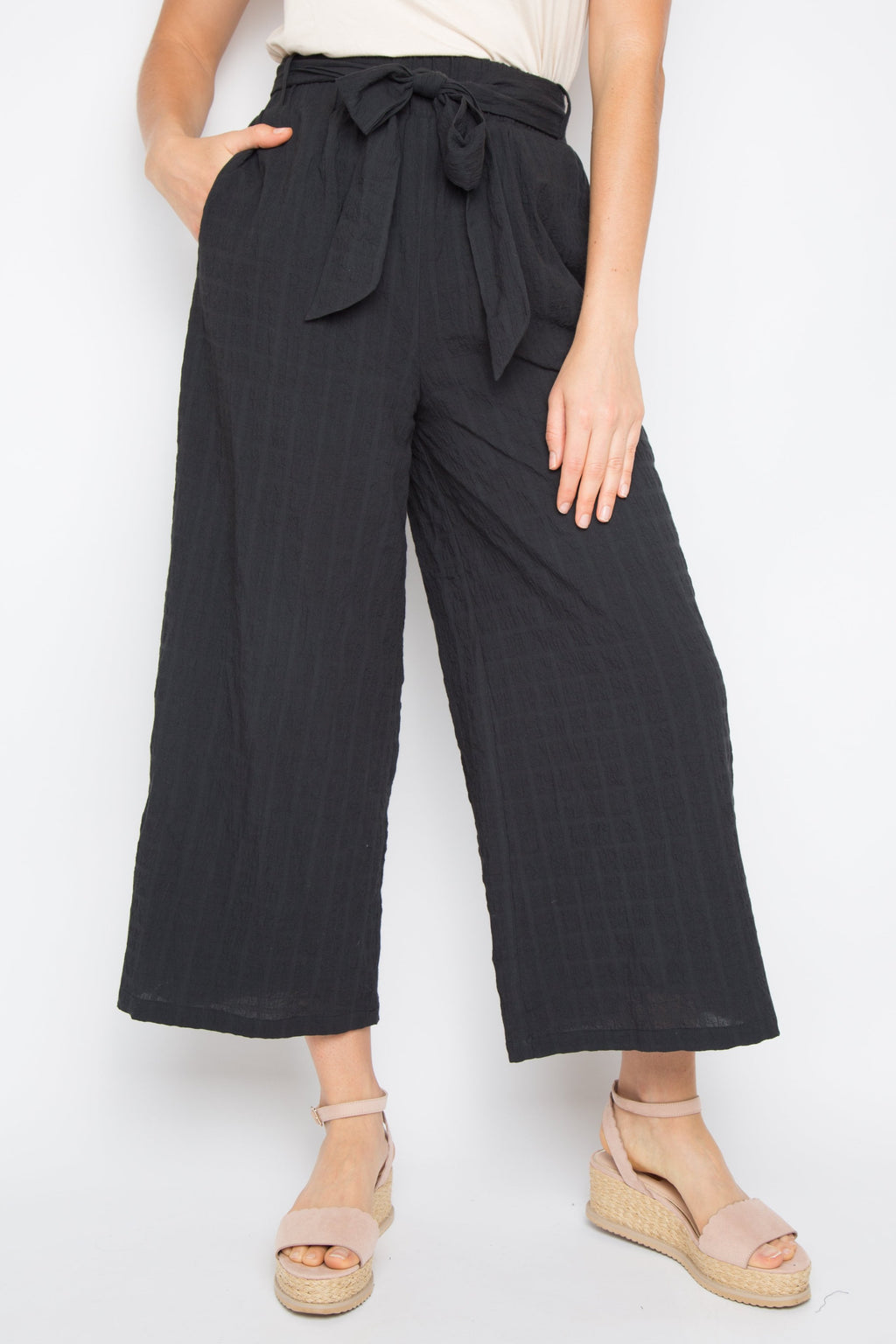 The Essential Pant in Crinkle Black