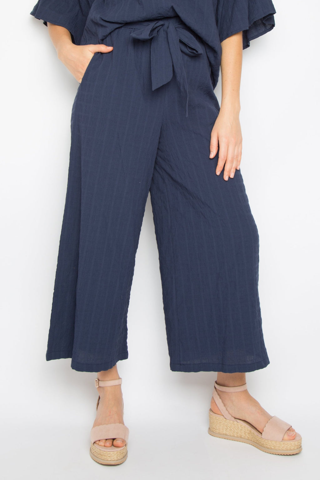 The Essential Pant in Crinkle Navy
