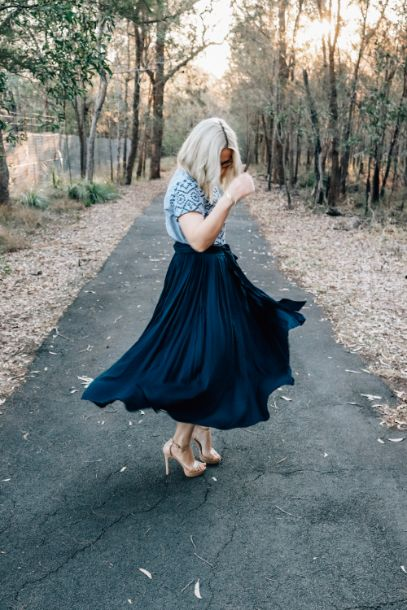Twirl Tie Skirt in Navy