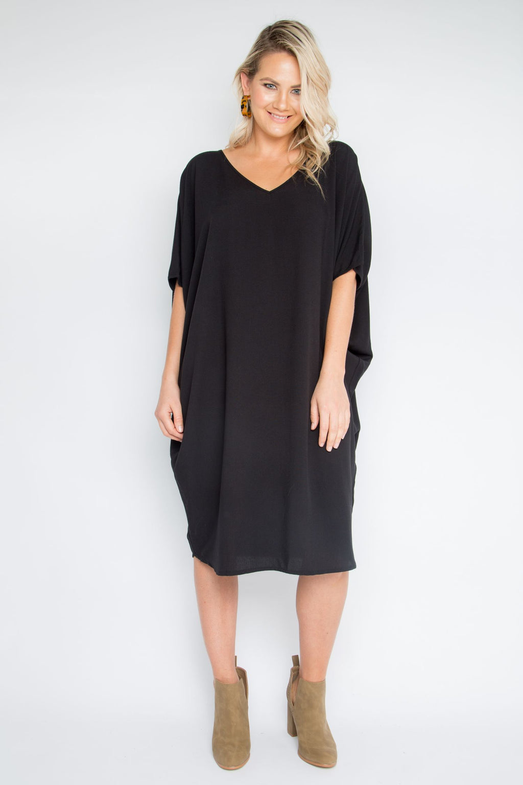 Woven Miracle Dress in Black