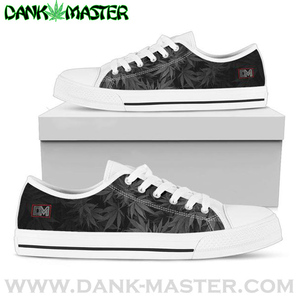 https://www.masterdank.com/collections/shoes/products/men-black?variant=8788380418099