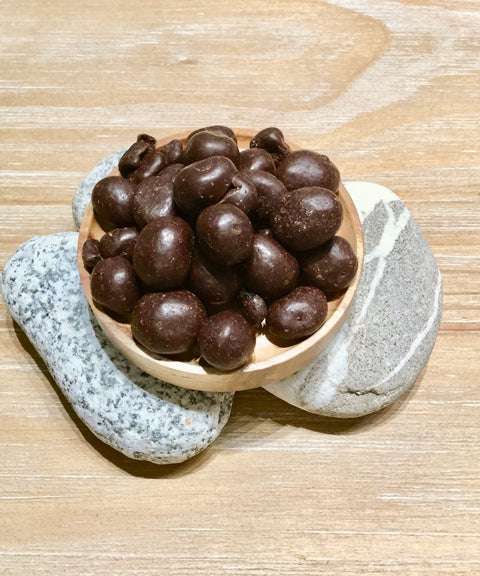 Organic Cranberry coated with dark chocolate  有機黑巧克力蔓越莓