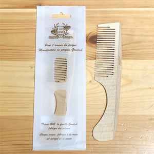 Medium toothed wood handle comb