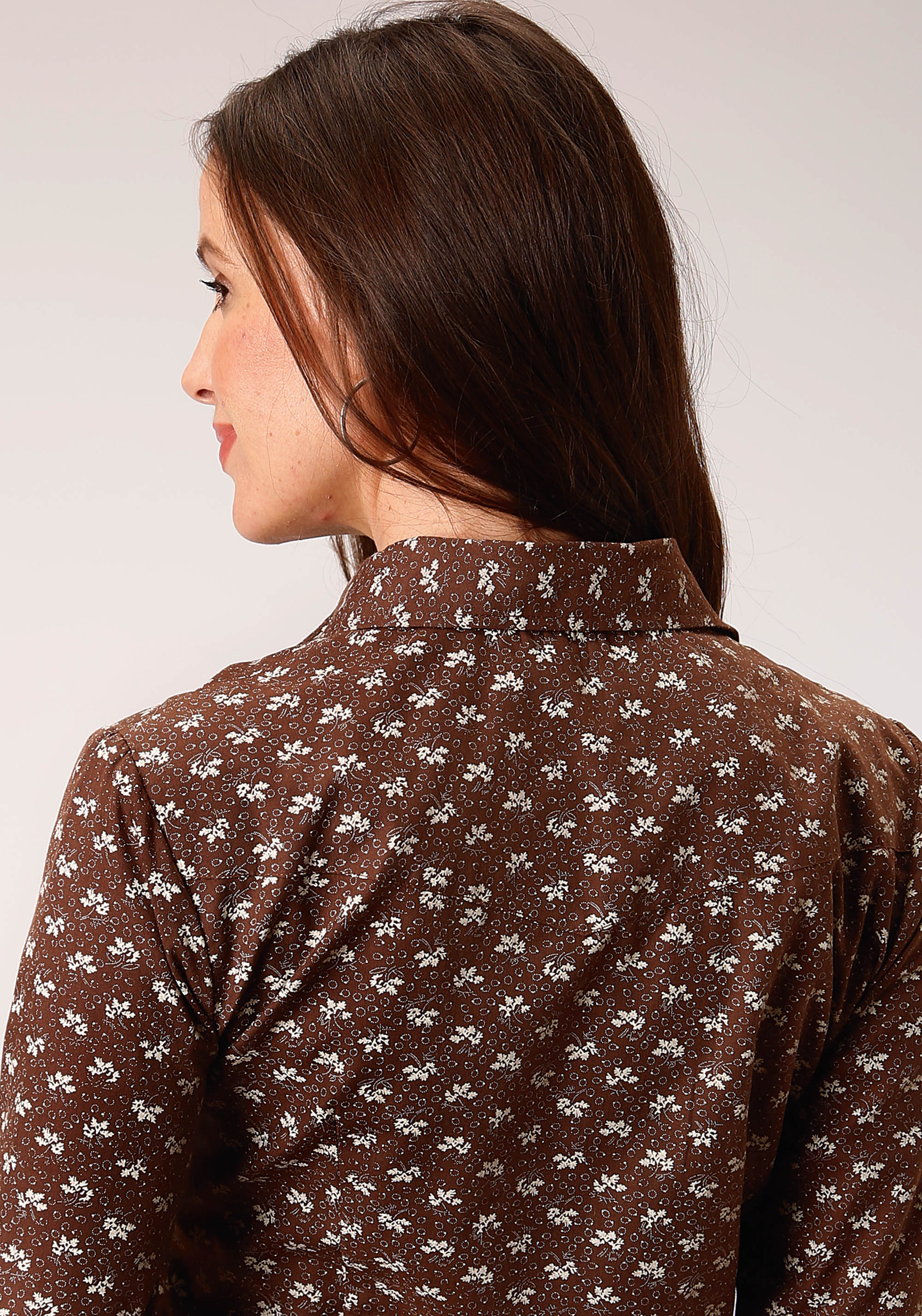 ROPER WOMENS BROWN 00421 BROWN & CREAM LEAF PRINT KARMAN CLASSICS- 55/45 PRINTS LONG SLEEVE