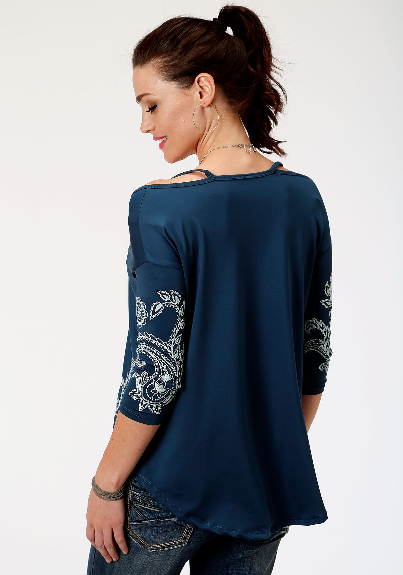 ROPER WOMENS BLUE 00099 POLY RAYON JERSEY TOP STUDIO WEST- BLUE BAYOU LONG SLEEVE