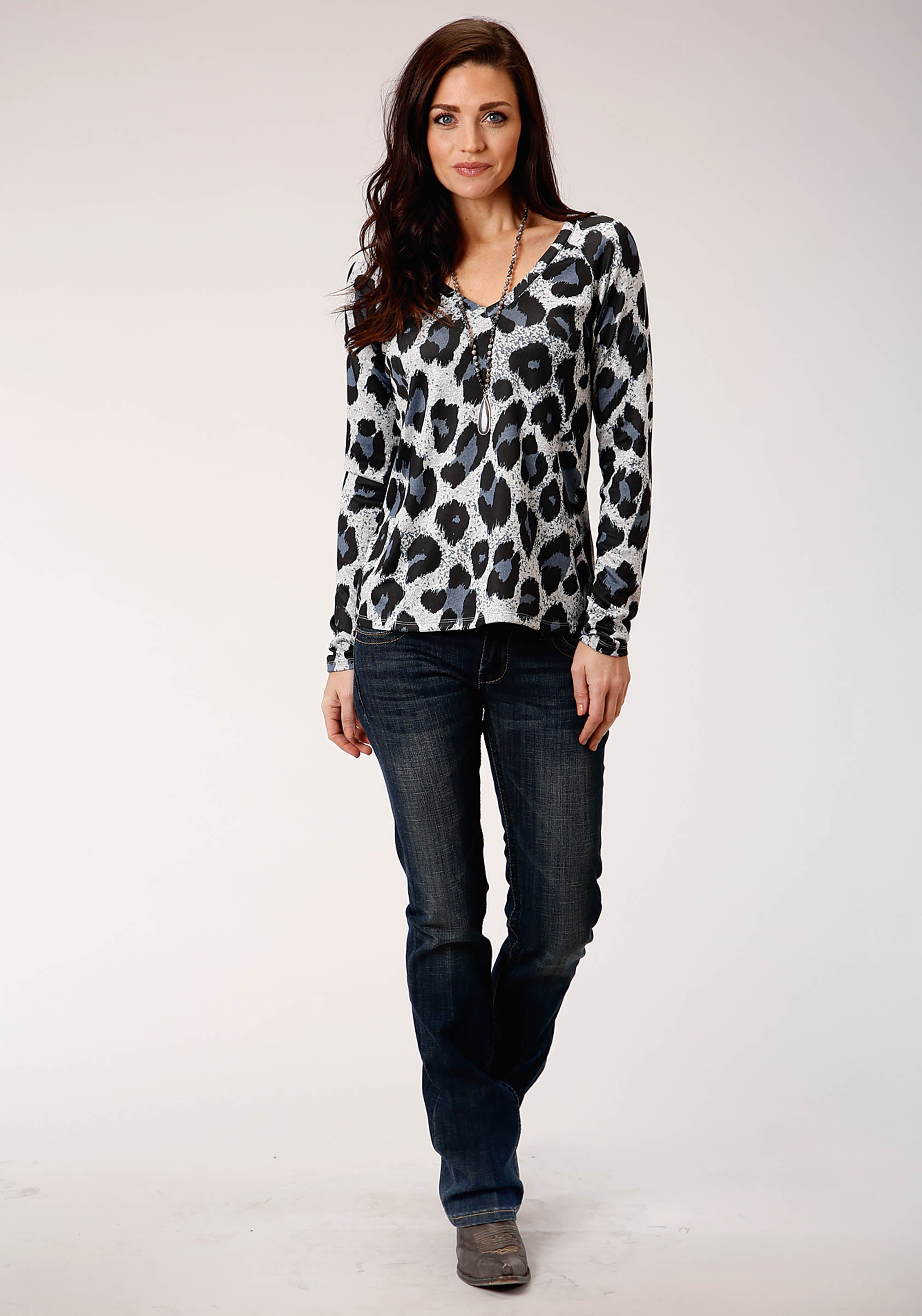 ROPER WOMENS GREY 00382 SWEATER KNIT V NECK TOP STUDIO WEST- THE WILD SIDE LONG SLEEVE