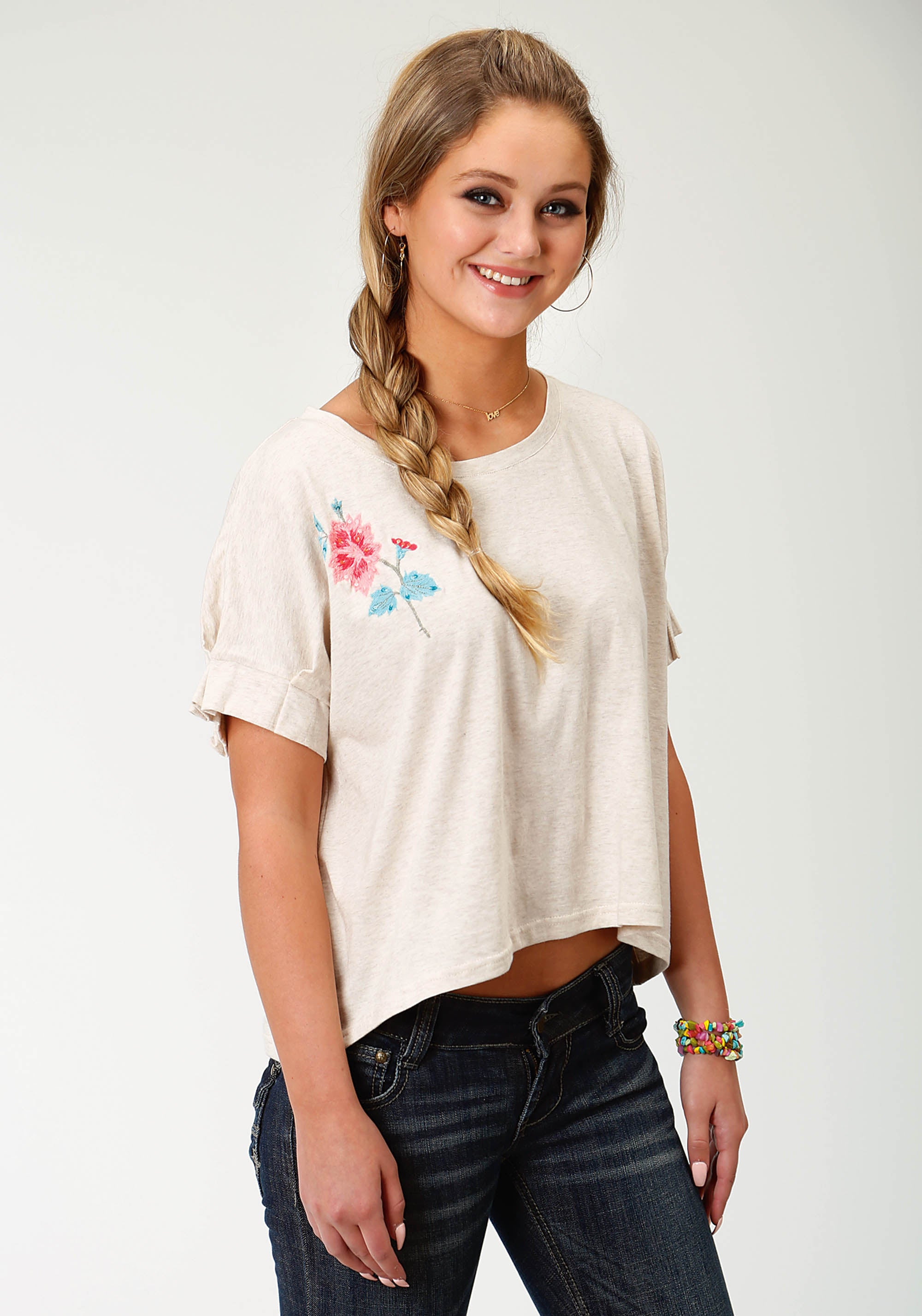 ROPER WOMENS WHITE 2992 SHORT SLEEVE TEE W/FLORAL EMBDRY FIVE STAR COLLECTION- SPRING I SHORT SLEEVE