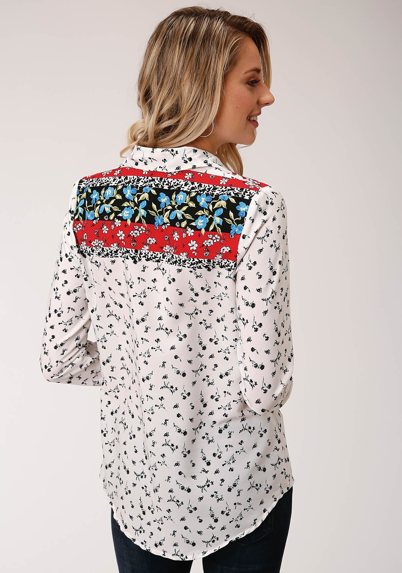 ROPER WOMENS WHITE 00223 POLY CREPE BORDER PRT SNAP SHIRT STUDIO WEST- WILD BLOSSOMS LONG SLEEVE