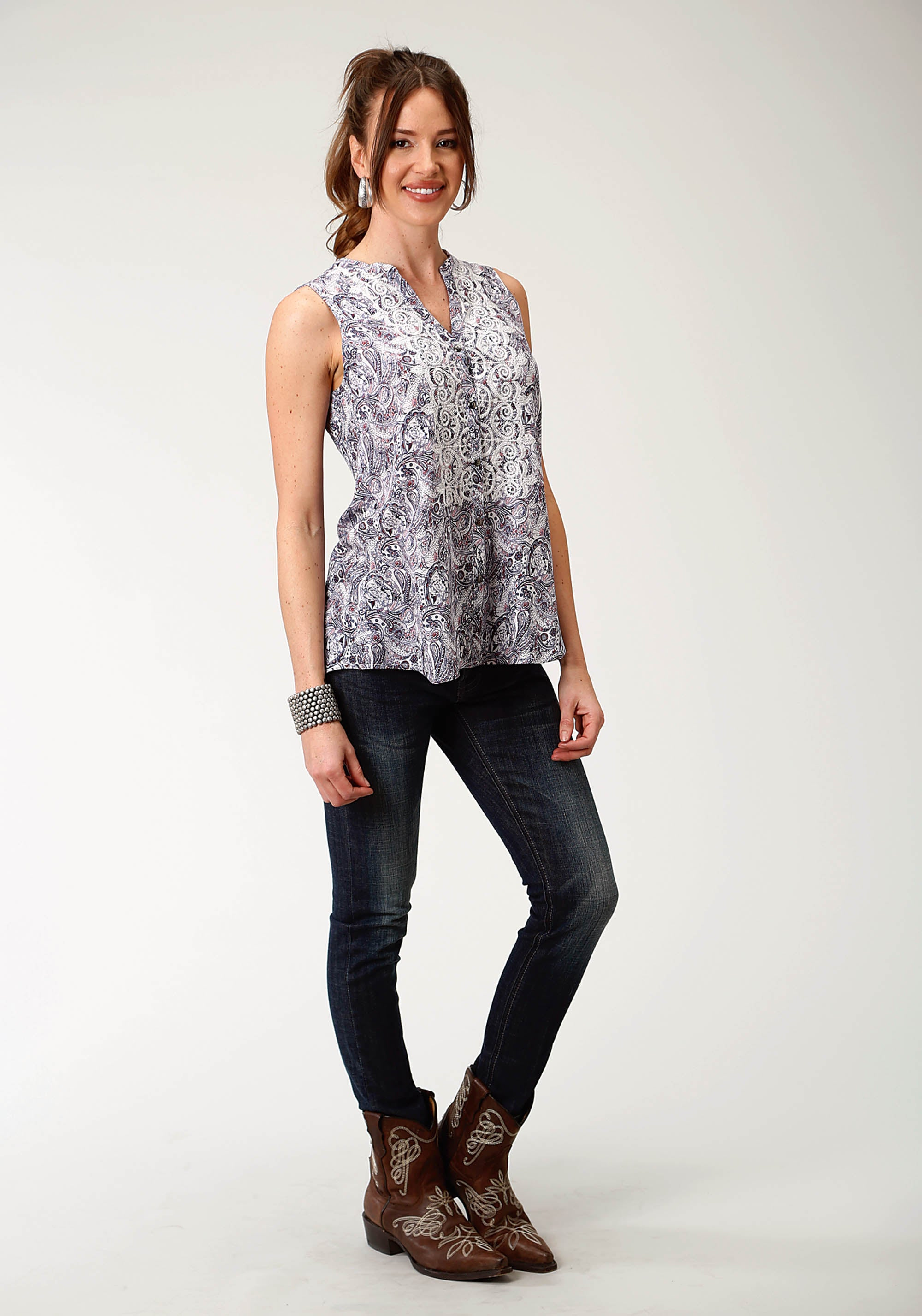 ROPER WOMENS BLUE 2419 PAISLEY PRINTED RAYON SLVLS TOP STUDIO WEST COLLECTION- SPRING MAGIC SLEEVELESS