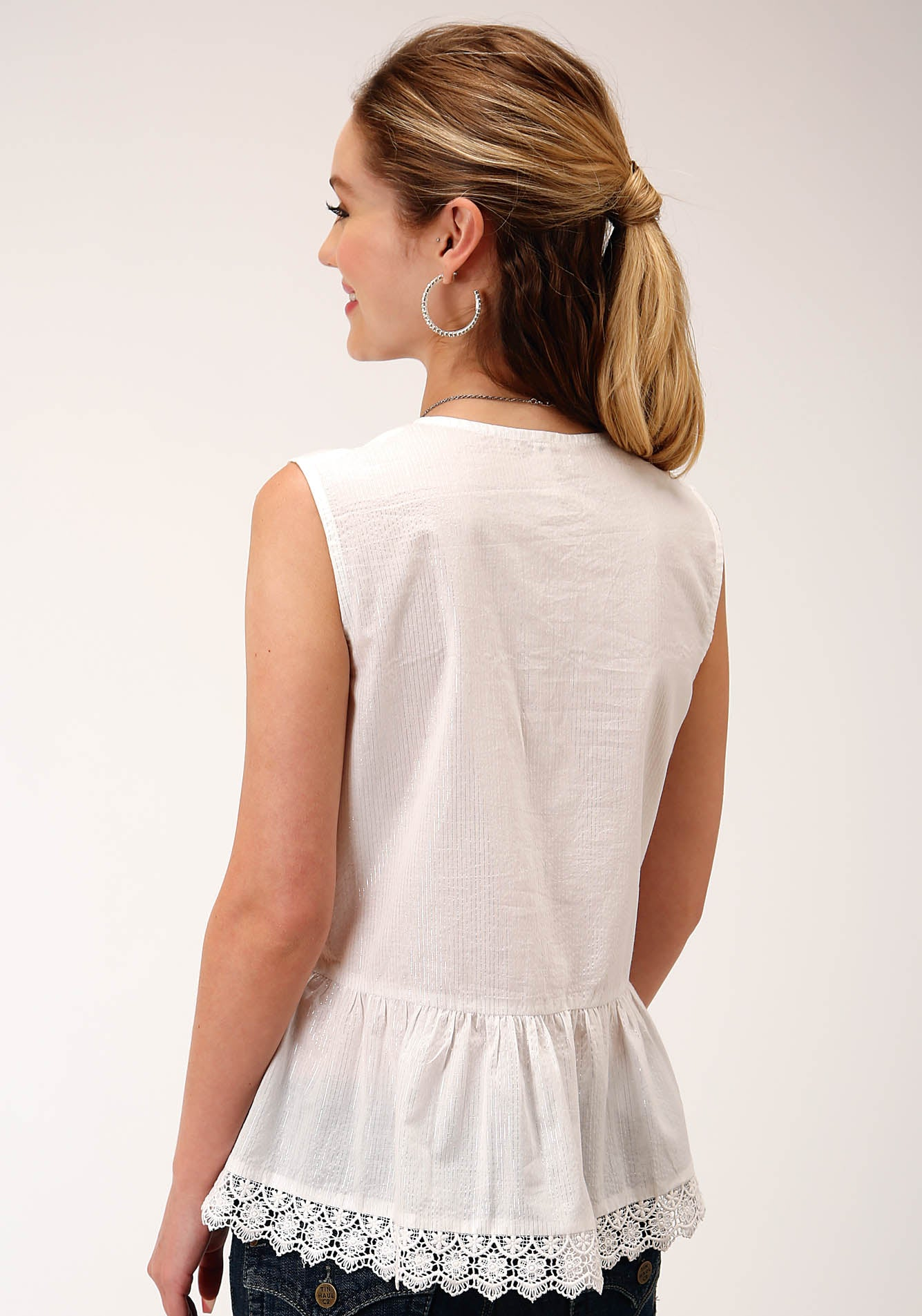ROPER WOMENS WHITE 00237 COTTON W/SILVER LUREX SLVLS TOP FIVE STAR COLLECTION- SUMMER II SLEEVELESS