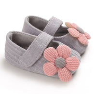 [105251-GRAY] - Beautiful Shoes / Sepatu Anak Prewalker Import - Motif Knitting Flowers