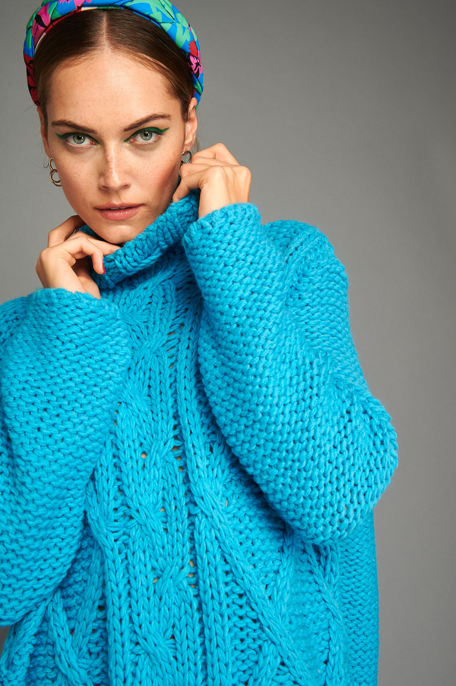 Veronica Sweater (Turquoise)