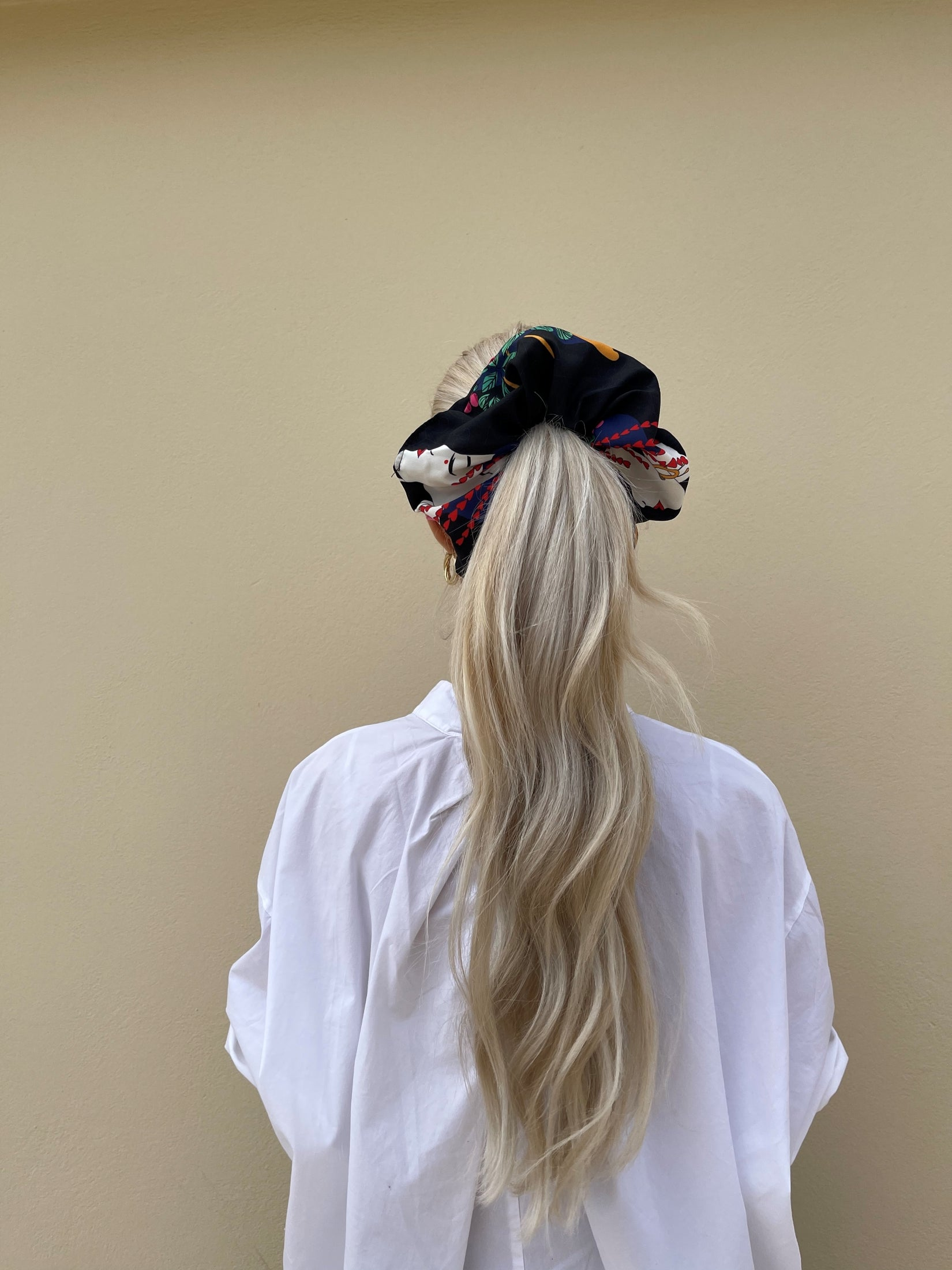 Tribe Scrunchie (Black)