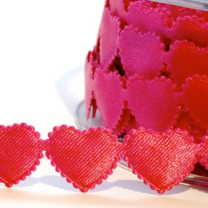 Scalloped Edge Fuchsia Heart Trim