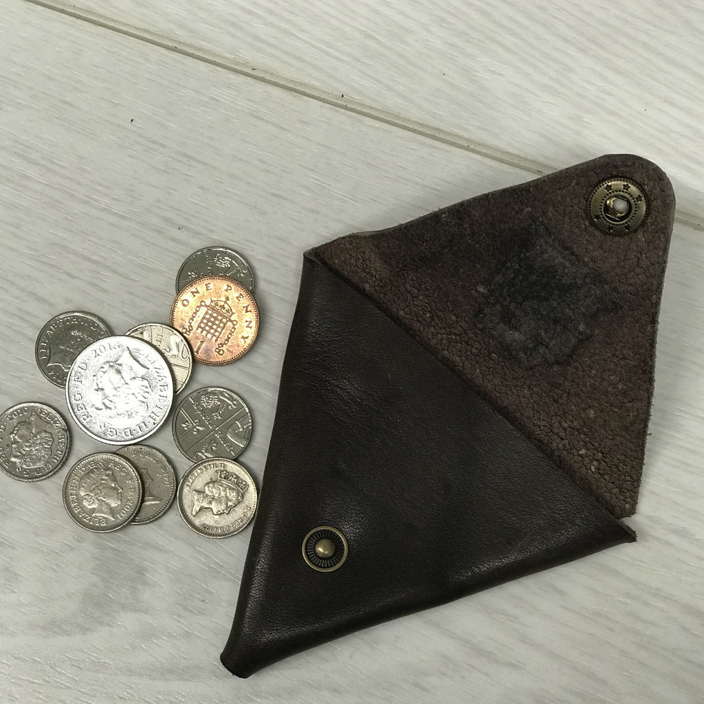 Triangular leather coin purse