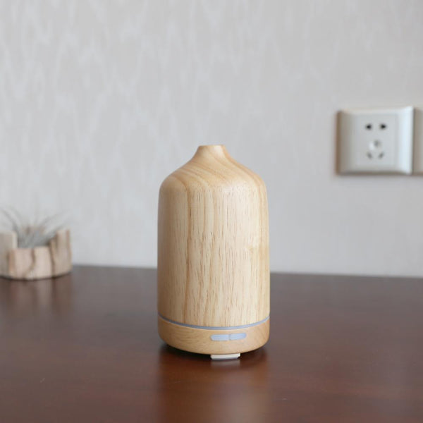 Wonderful_Scents_100_ml_Wood_Essential_Oil_Diffuser_On_Counter