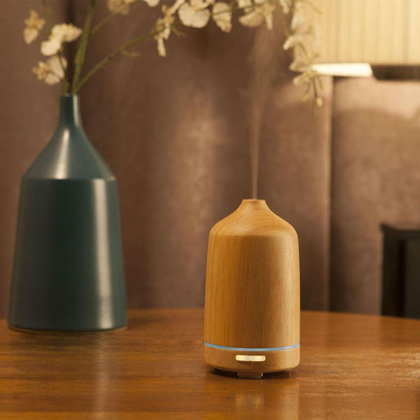 Wonderful_Scents_100_ml_Wood_Essential_Oil_Diffuser_On_Furniture