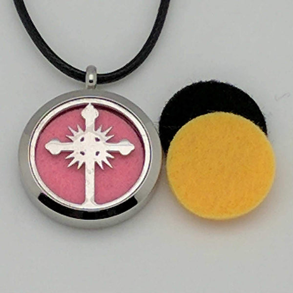 Wonderful_Scents_Cross_Locket_Leather_Strap