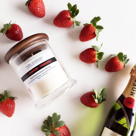 006 Champagne + Strawberries Candle Mini