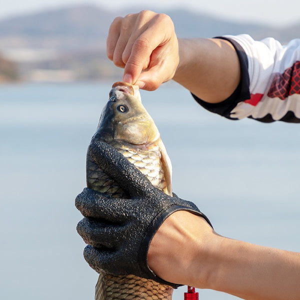 Cut-resistant Fishing Gloves, with Magnet Hooks, Soft and Elastic Material, Anti-slip & Waterproof Design