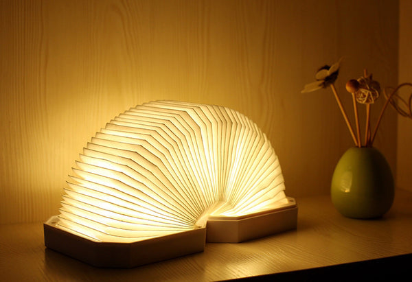 Bluetooth Speaker Lamp That Opens and Closes Just Like an Accordion