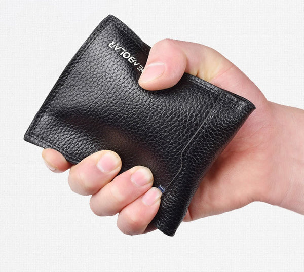 Get Rid of the Annoyance of Bulky Pocket with Compact Bifold Wallet