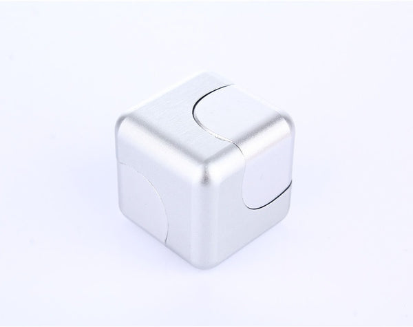 The Most Amazing Metal Finger Cube Spinner