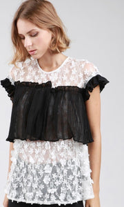 Black & White Lace Tunic Top 🖤🤍 - Tomato Superstar