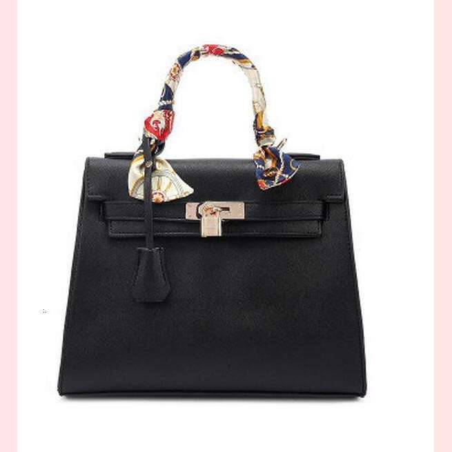 The Janey Handbag,Blissful Chic,Black