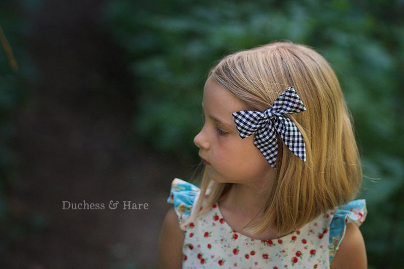 Fabric Bows - FREE - Duchess & Hare