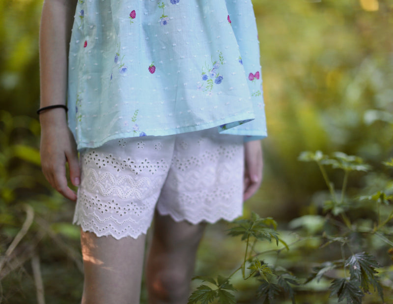 Heat Wave Scalloped Shorts - Duchess & Hare