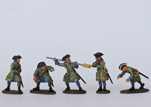 SA01 Swedish Artillery Crew Loading - Warfare Miniatures USA