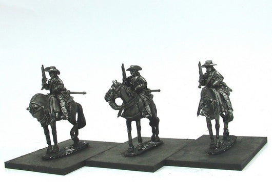 WLOA43a Cuirassiers in Hats, Front Plate Only on Standing Horses - Warfare Miniatures USA