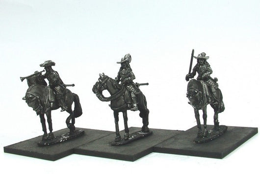 WLOA44a Cuirassiers Command in Hats, Front Plate Only on Standing Horses