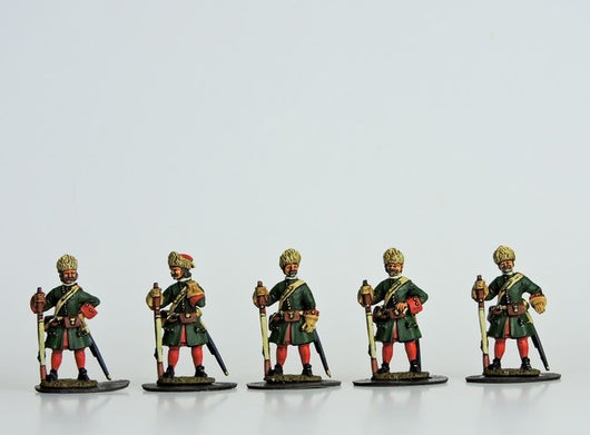 R16 Russian Grenadiers in Fur Caps