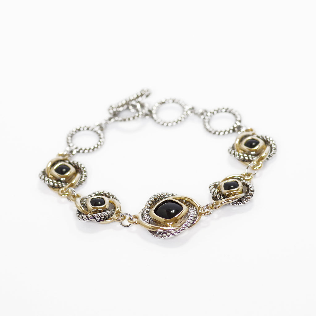 Love Knot Station Bracelet with T Closure in Onyx Black