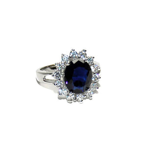 Sapphire Blue Princess Halo Ring in Rhodium