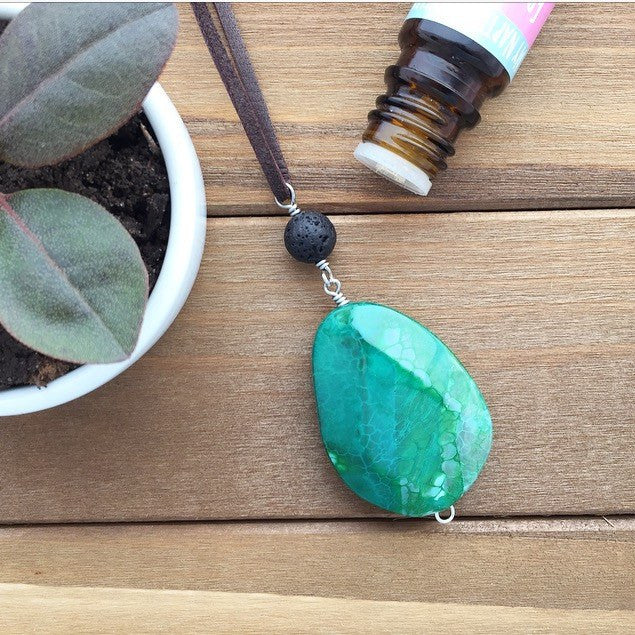 My Naptime Jewelry - Green Agate Pendant Diffuser Black Stone Slab Necklace