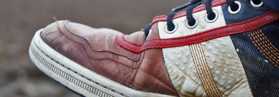 The Best Way to Clean Your Shoelaces and Sneakers