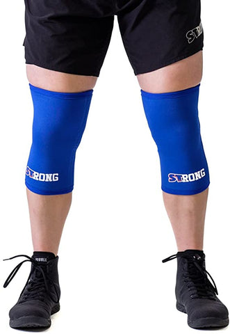 difference between knee wraps and knee sleeves