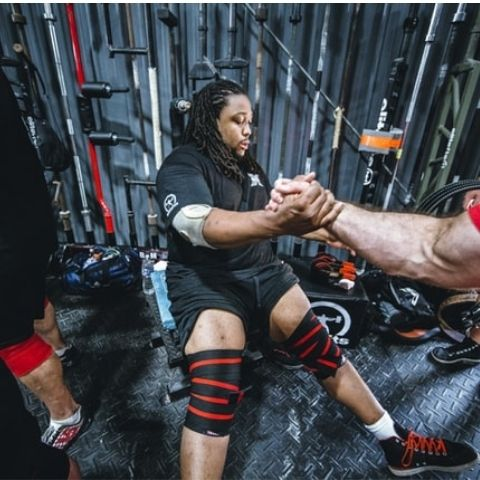 are knee wraps or sleeves better