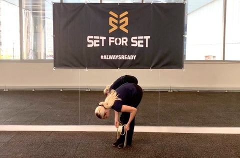 resistance band stretch for hamstrings