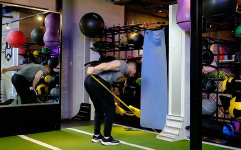 tricep exercises with resistance bands