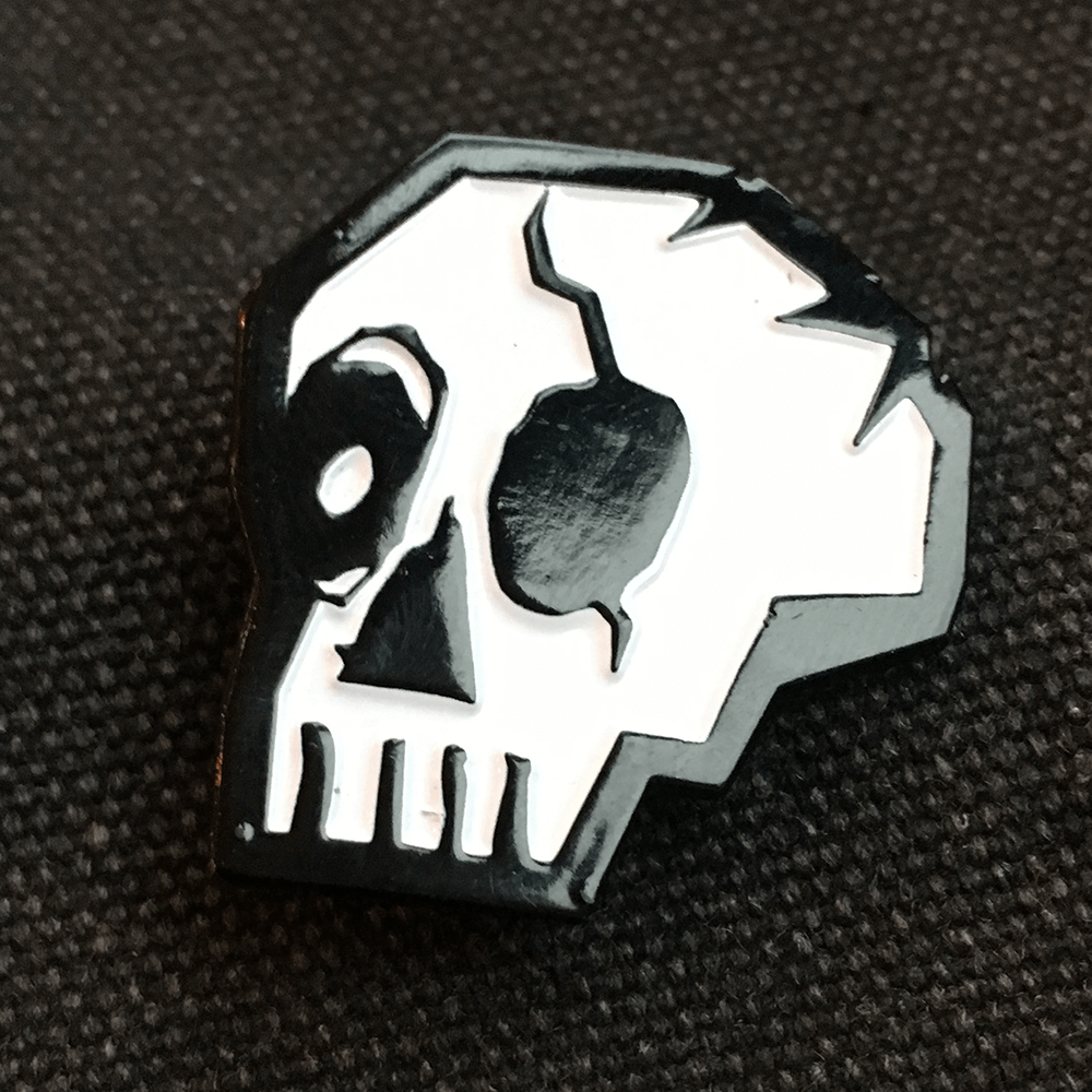 Enamel Pin : Memento Mori Theatricks