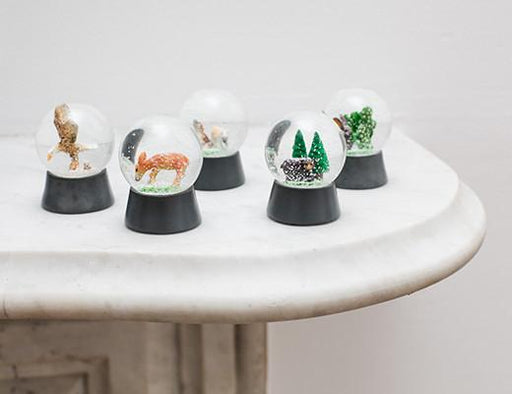 Snow Globe Wildlife