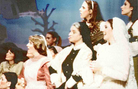 Ensemble Women in Fiddler