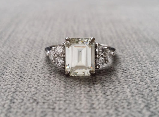 The Madison GH White Center Moissanite