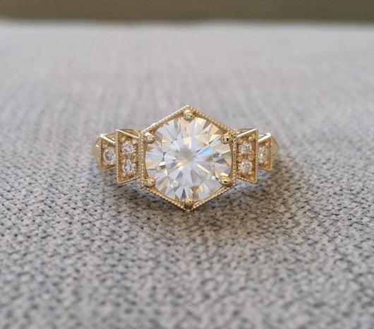 The Florence Larger 8 mm Version with EF Moissanite